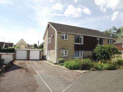2 Bedrooms Maisonette Flat for sale in Conygar Road, Tetbury