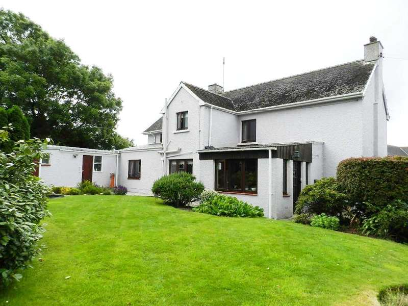 4 Bedrooms Detached House for sale in Lynwood, Burton Road, Houghton, Milford Haven