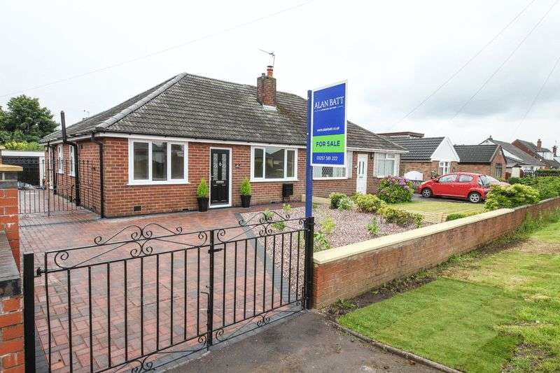 3 Bedrooms Semi Detached Bungalow for sale in Pepper Lane, Standish