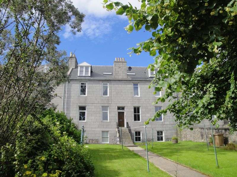 2 Bedrooms Flat for sale in Springbank Terrace, Aberdeen
