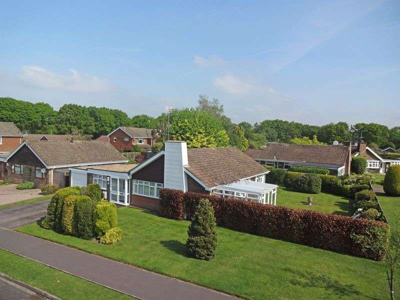 3 Bedrooms Detached Bungalow for sale in Wheelwrights Lane, Grayshott