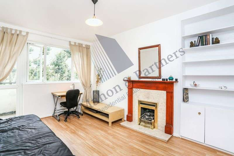 2 Bedrooms Flat for sale in Nelson Square, London