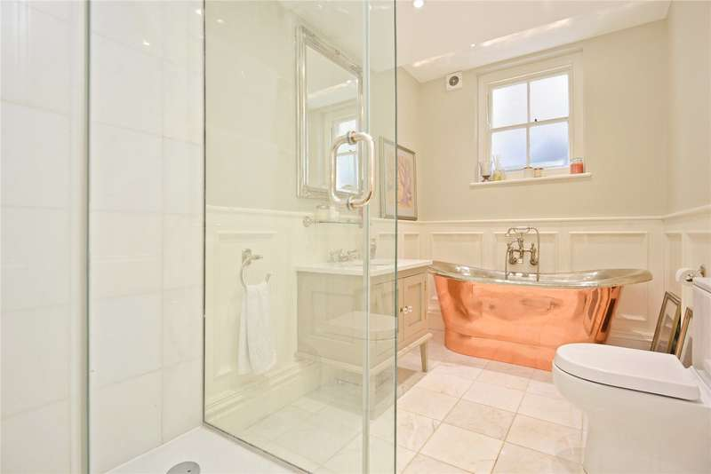 2 Bedrooms Flat for sale in Beaconsfield Road, London, SE3