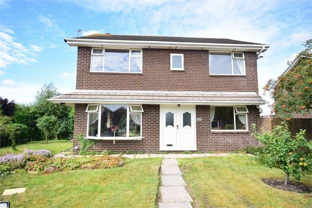 4 Bedrooms Detached House for sale in 7 Bowes Lyon Place, LYTHAM ST ANNES, Lancashire