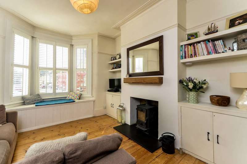 3 Bedrooms House for sale in Eastcombe Avenue, Charlton, SE7