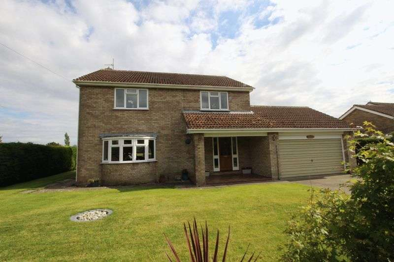 4 Bedrooms Detached House for sale in Carr Lane, Scarborough