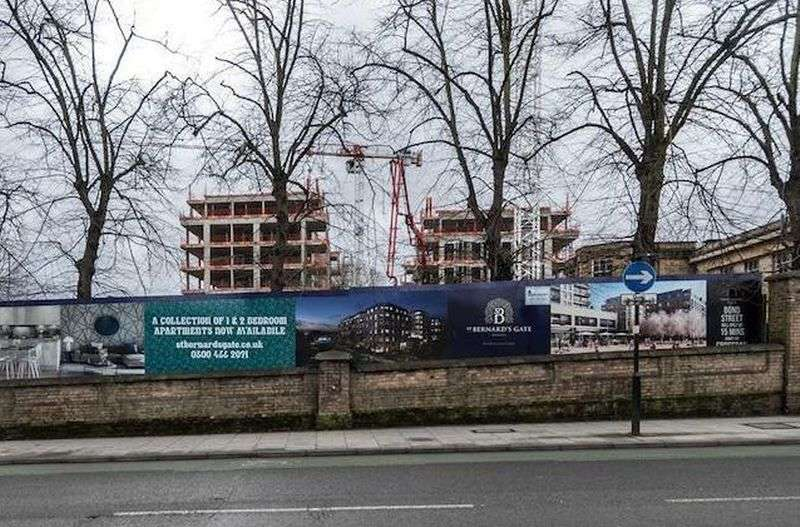 2 Bedrooms Flat for sale in St Bernard's Gate, Uxbridge Road, Hanwell, UB1