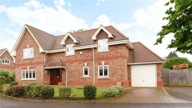 5 Bedrooms Detached House for sale in Tavistock Mews, Wokingham, Berkshire