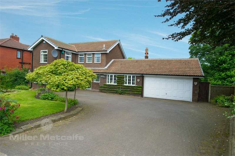 4 Bedrooms Detached House for sale in Bolton Road, Heath Charnock, Chorley, Lancashire