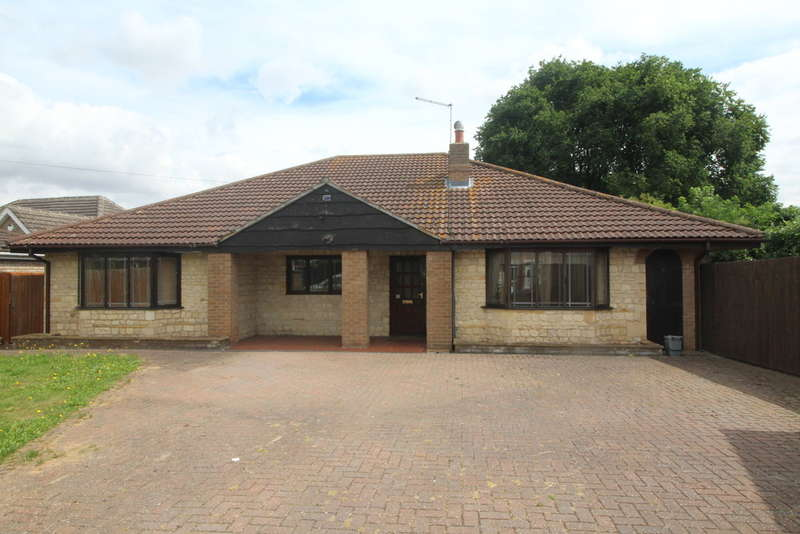 4 Bedrooms Detached Bungalow for sale in Lincoln Road, Northborough, Peterborough, PE6 9BL