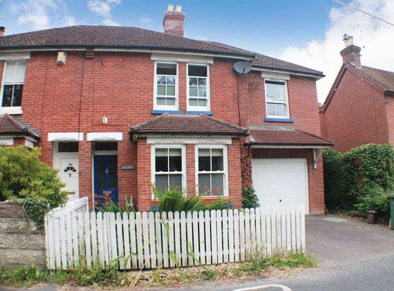 4 Bedrooms Semi Detached House for sale in School Road, Old Bursledon