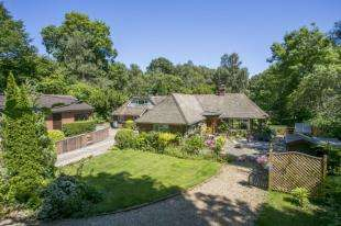6 Bedrooms Bungalow for sale in Back Lane, Cross In Hand, Heathfield, East Sussex
