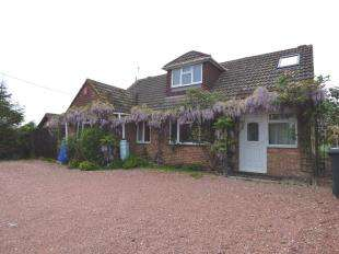 4 Bedrooms Bungalow for sale in Butchers Lane, Mereworth, Maidstone, Kent