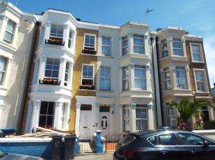 6 Bedrooms Terraced House for sale in Gordon Road, Cliftonville, Margate, Kent