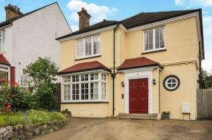4 Bedrooms Detached House for sale in Birdhurst Avenue, South Croydon, .