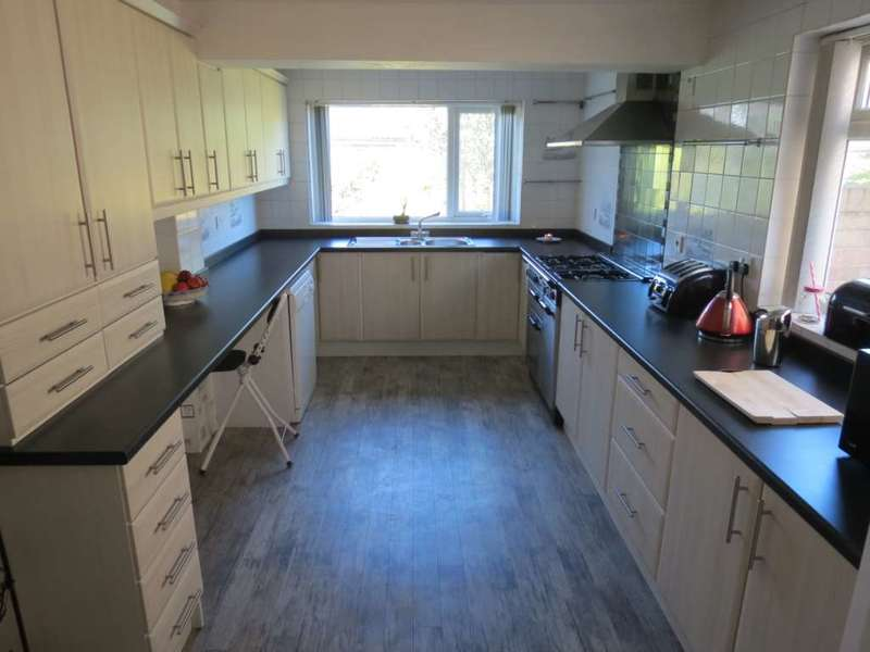 6 Bedrooms Detached House for sale in ***REDUCED***West Dyke Road, Redcar