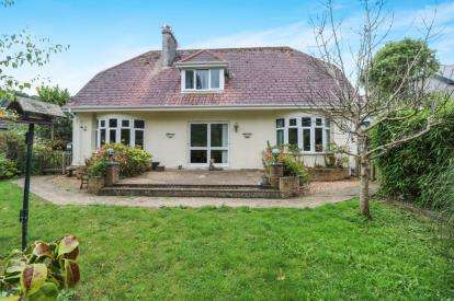 6 Bedrooms Bungalow for sale in Gorran Haven, St. Austell, Cornwall