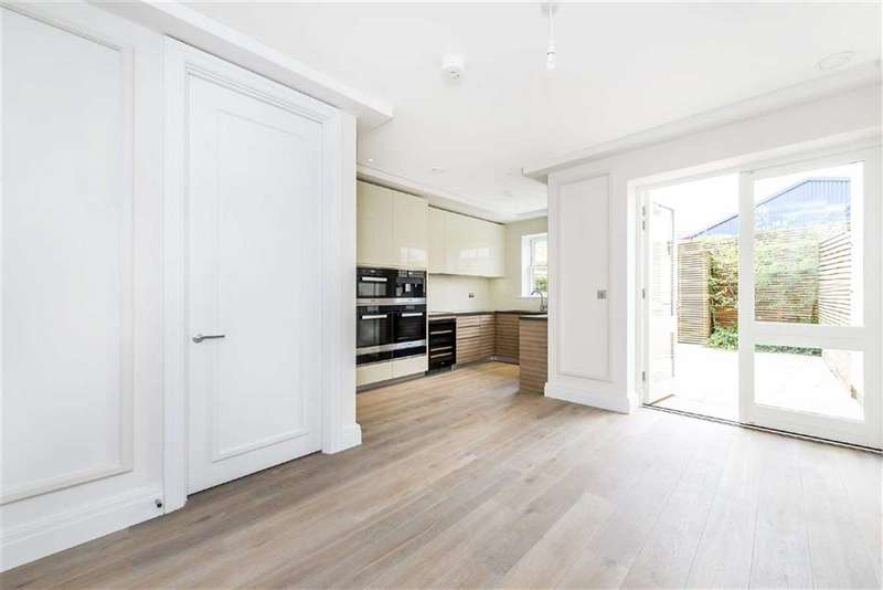 4 Bedrooms Property for sale in Heathcote Gate, Fulham, London, SW6