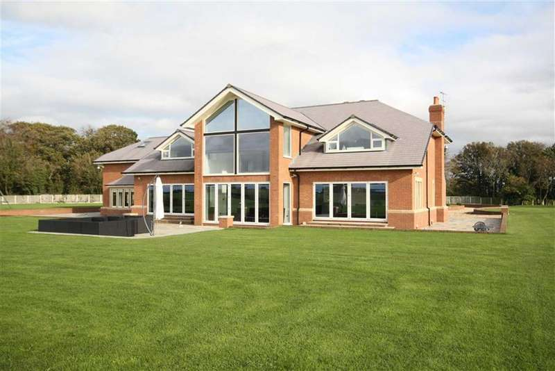 5 Bedrooms Property for sale in Weeton Road, Westby Mills