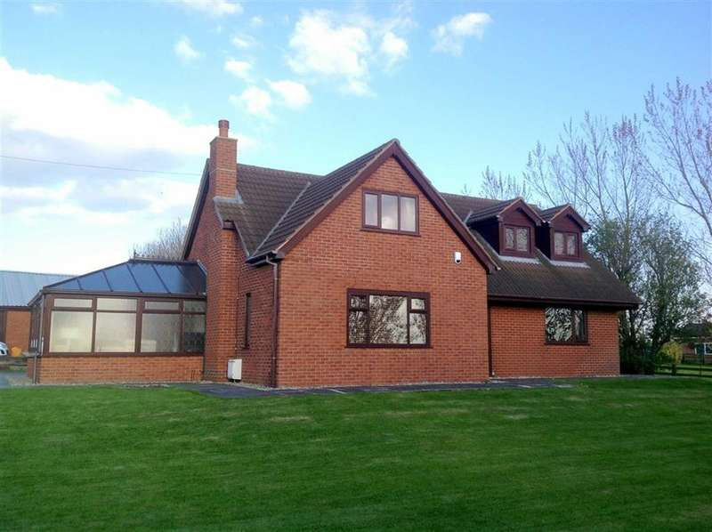 4 Bedrooms Detached House for sale in Peel Road, Peel