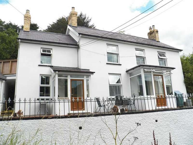 4 Bedrooms Property for sale in LLANGRANNOG