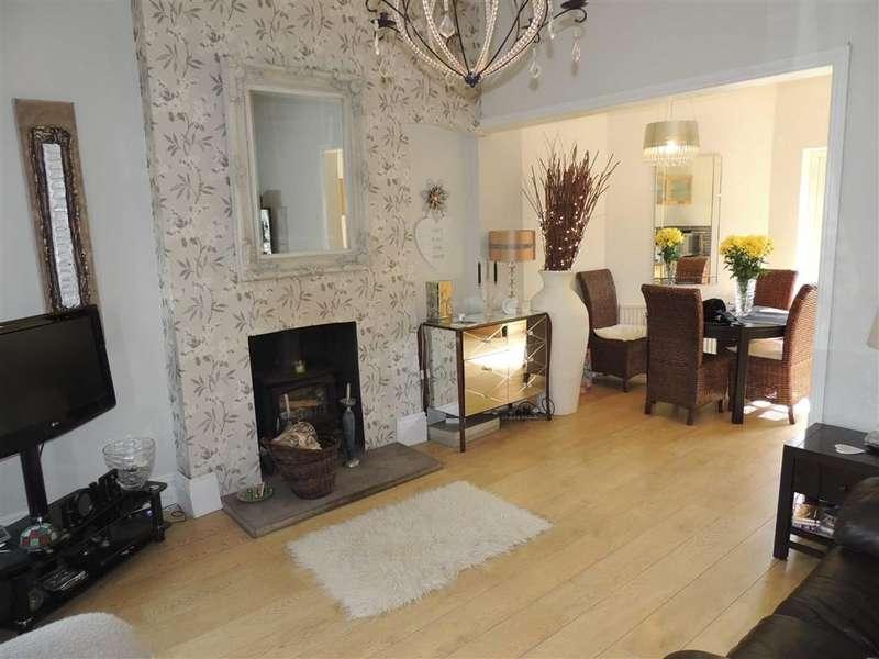 2 Bedrooms Property for sale in Manchester Road, Denton, Manchester