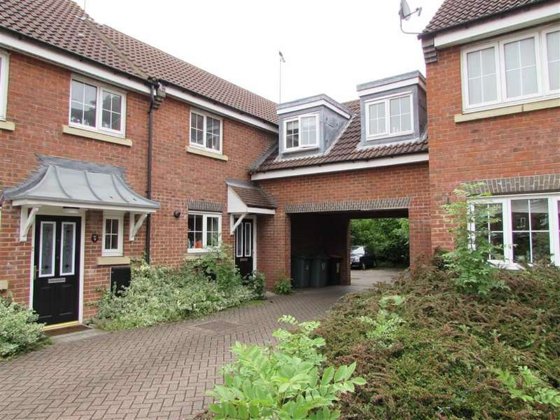 3 Bedrooms Property for sale in Moore Crescent, Houghton Regis, Bedfordshire, LU5