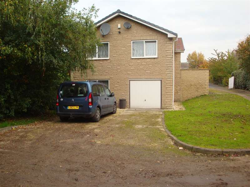 4 Bedrooms Property for sale in Thorpe Lea, Green Acres, Rawmarsh S62 6LD