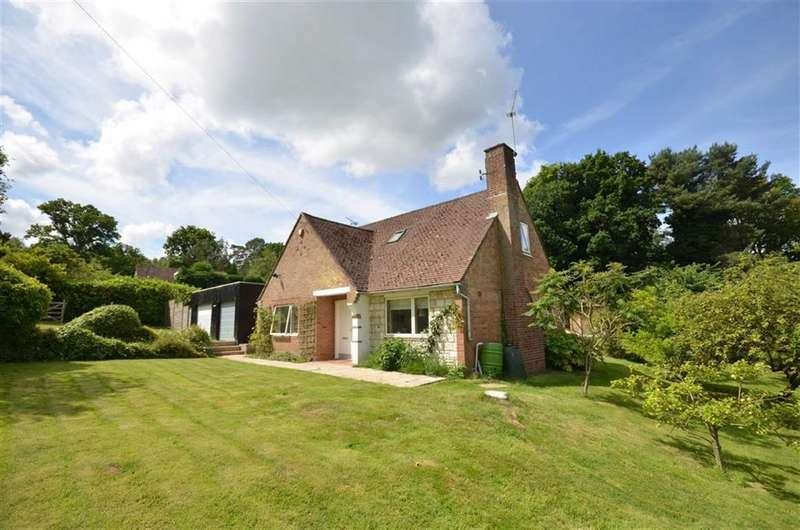 4 Bedrooms Property for sale in Fernbrae Close, Rowledge, Farnham
