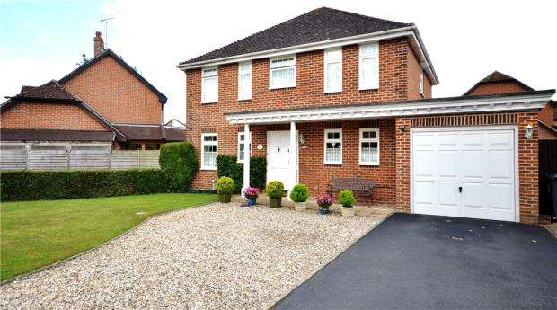 4 Bedrooms Detached House for sale in Cranesfield, Sherborne St. John, Basingstoke