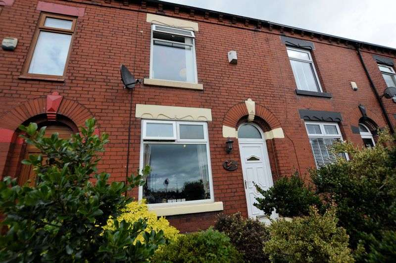 2 Bedrooms Terraced House for sale in Middleton Road, Chadderton