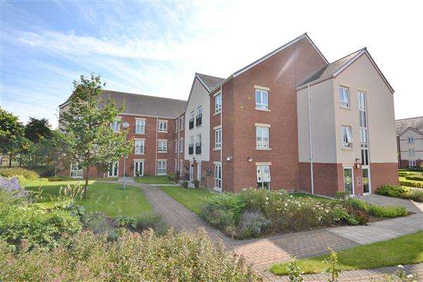 1 Bedroom Apartment Flat for sale in The Court, Oakbridge Drive, Buckshaw Village, Chorley