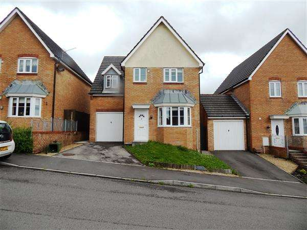 4 Bedrooms Detached House for sale in Cedarwood Drive, Porth