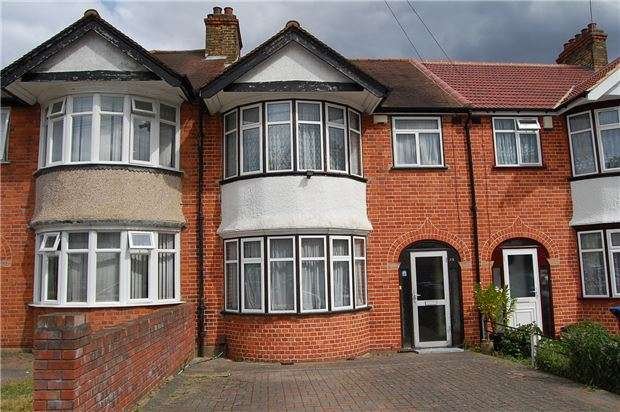 3 Bedrooms Terraced House for sale in Boycroft Avenue, KINGSBURY, NW9 8AP