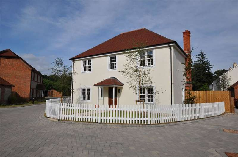 4 Bedrooms Detached House for sale in Roman Fields, Chichester, West Sussex, PO19