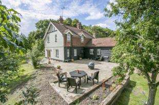 3 Bedrooms Equestrian Facility Character Property for sale in Junction Road, Bodiam, East Sussex