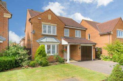 4 Bedrooms Detached House for sale in Bayham Close, Elstow, Bedford, Bedfordshire