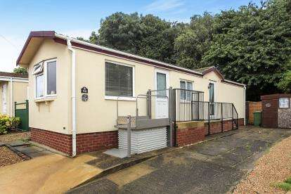 2 Bedrooms Mobile Home for sale in Fengate Mobile Home Park, Fengate, Peterborough, Cambridgeshire