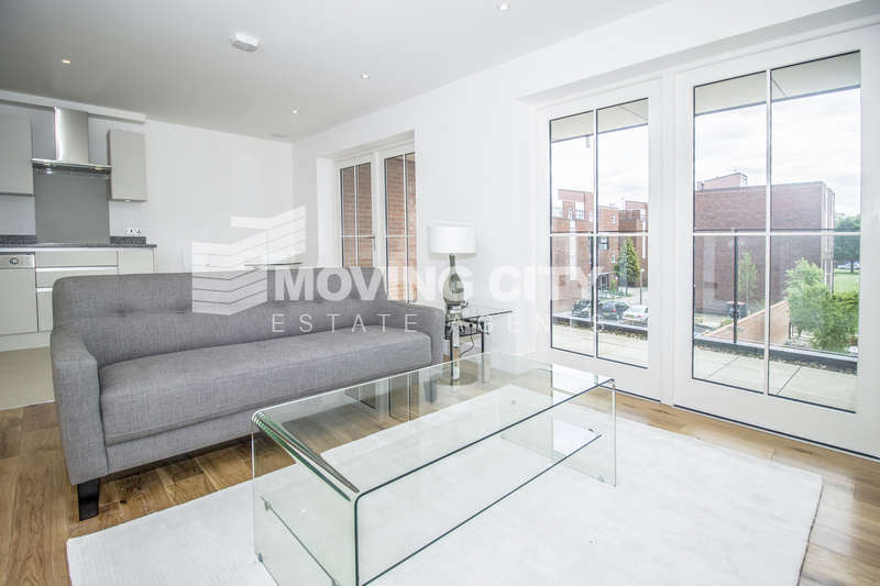 2 Bedrooms Flat for sale in Hampton Row, Upper Richmond Road, London