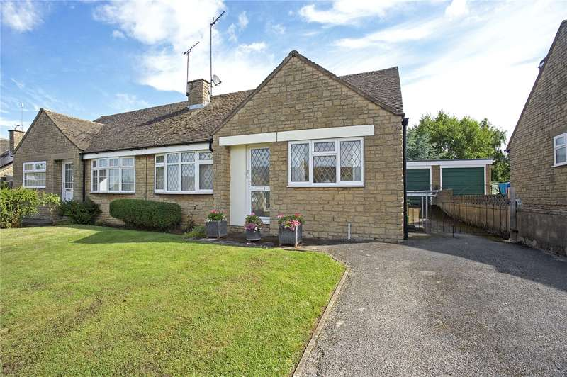 2 Bedrooms Semi Detached Bungalow for sale in Manor Park, Claydon, Banbury, Oxfordshire, OX17