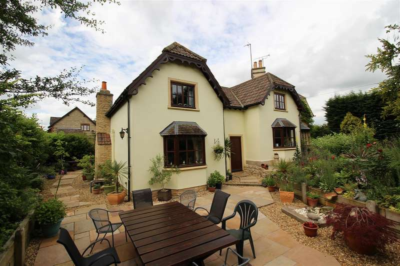 4 Bedrooms House for sale in Old Road, Studley