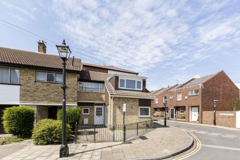 2 Bedrooms Terraced House for sale in Penny Street, Old Portsmouth