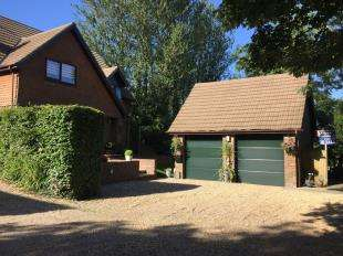 4 Bedrooms Detached House for sale in The Martletts, Vicarage Lane, Burwash Common, Etchingham