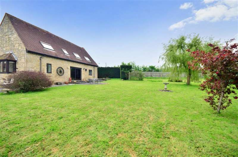 3 Bedrooms Barn Conversion Character Property for sale in Yarmouth Road, Shalfleet, Newport, Isle of Wight