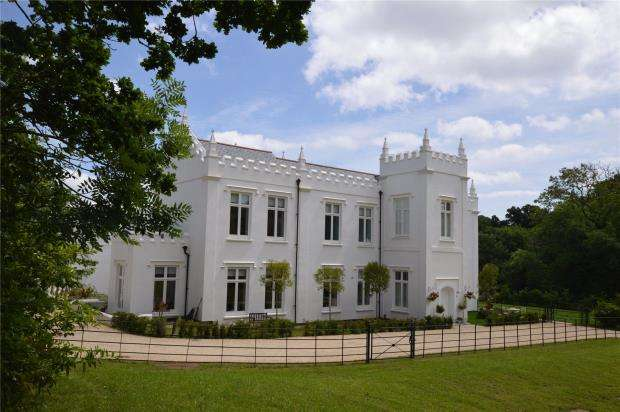 3 Bedrooms End Of Terrace House for sale in Withycombe House, Hillcrest Gardens, Exmouth, Devon