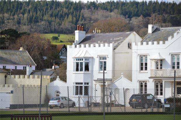 2 Bedrooms Maisonette Flat for sale in Devonia, 1 Coburg Terrace, Sidmouth, Devon