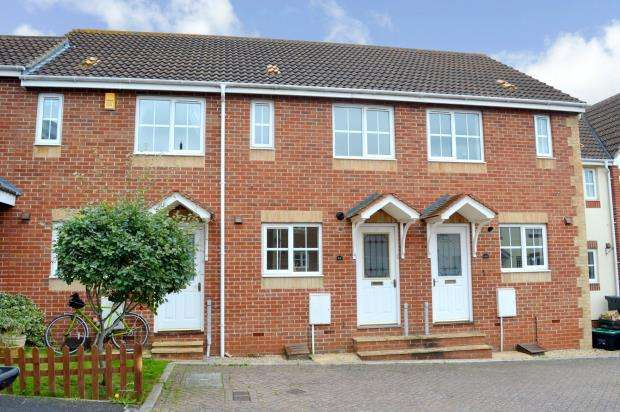 2 Bedrooms Terraced House for sale in Standfast Place, Taunton, Somerset