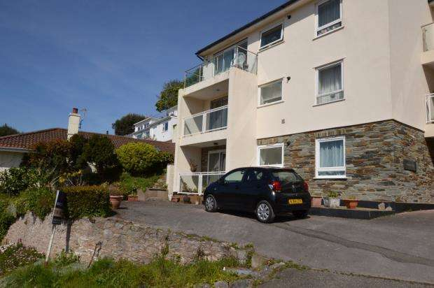 3 Bedrooms Flat for sale in Kinlacey Court, Museum Road, Torquay, Devon