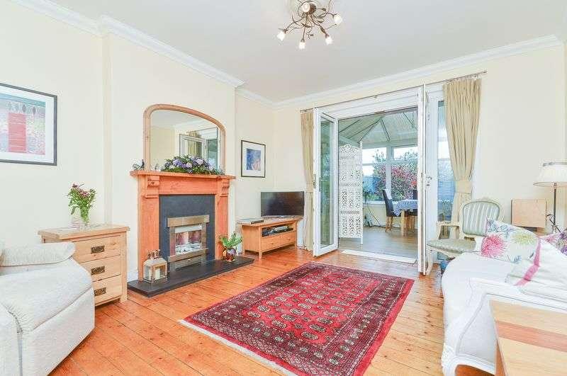 2 Bedrooms Semi Detached Bungalow for sale in 10a Craigentinny Grove, Craigentinny, Edinburgh, EH7 6QD