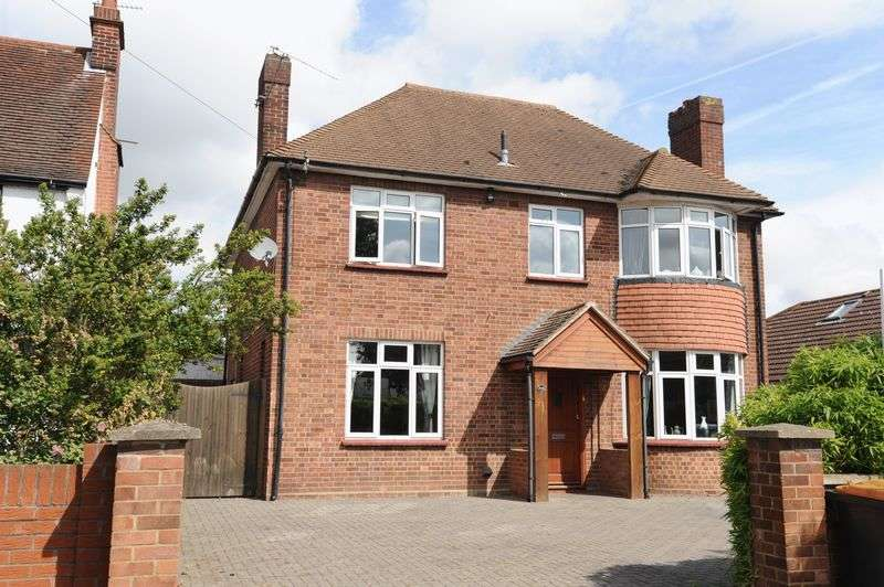 4 Bedrooms Detached House for sale in Goldington Road, Bedford